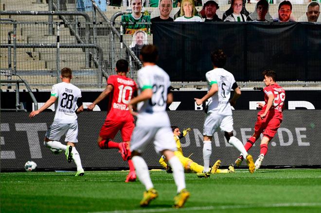 Video highlight trận M'gladbach - Leverkusen: Thần đồng lập cú đúp, chen chân top 3 - 1