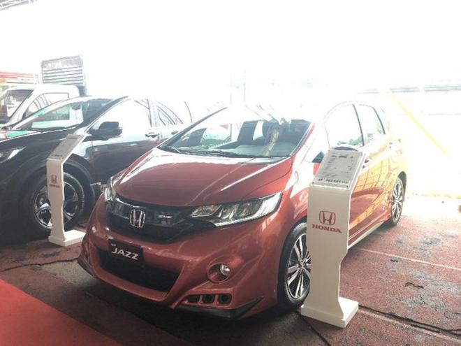 Quá ế ẩm, Honda Jazz mất tích trên gian hàng Honda Việt Nam - 1