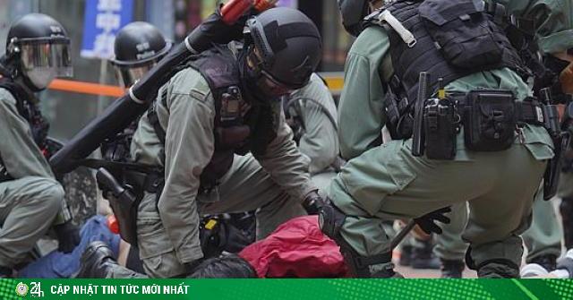 Động thái đáp trả của Anh sau khi Trung Quốc thông qua nghị quyết luật an ninh Hong Kong