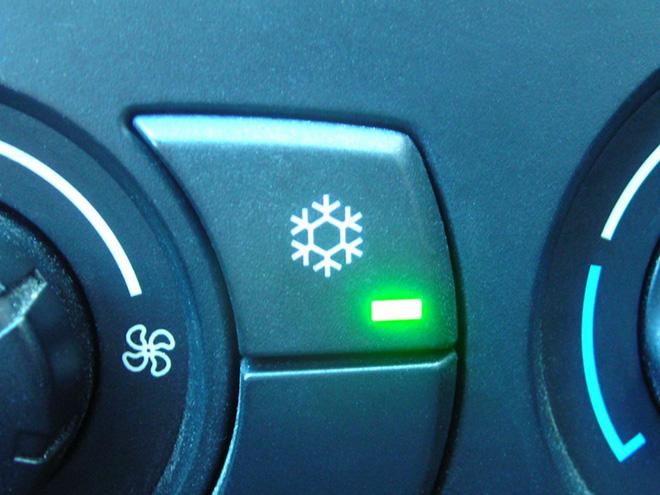 5 lỗi phổ biến trên hệ thống điều hòa xe ô tô - 1