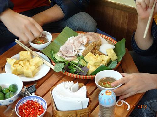 Lý giải sức hút Bún đậu NT - Trần Thái Tông có gì ngon mà đông khách đến thế - 3