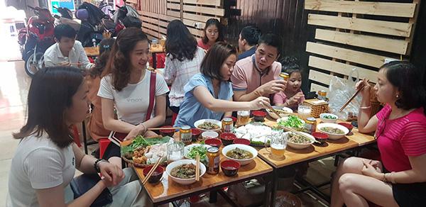 Lý giải sức hút Bún đậu NT - Trần Thái Tông có gì ngon mà đông khách đến thế - 4