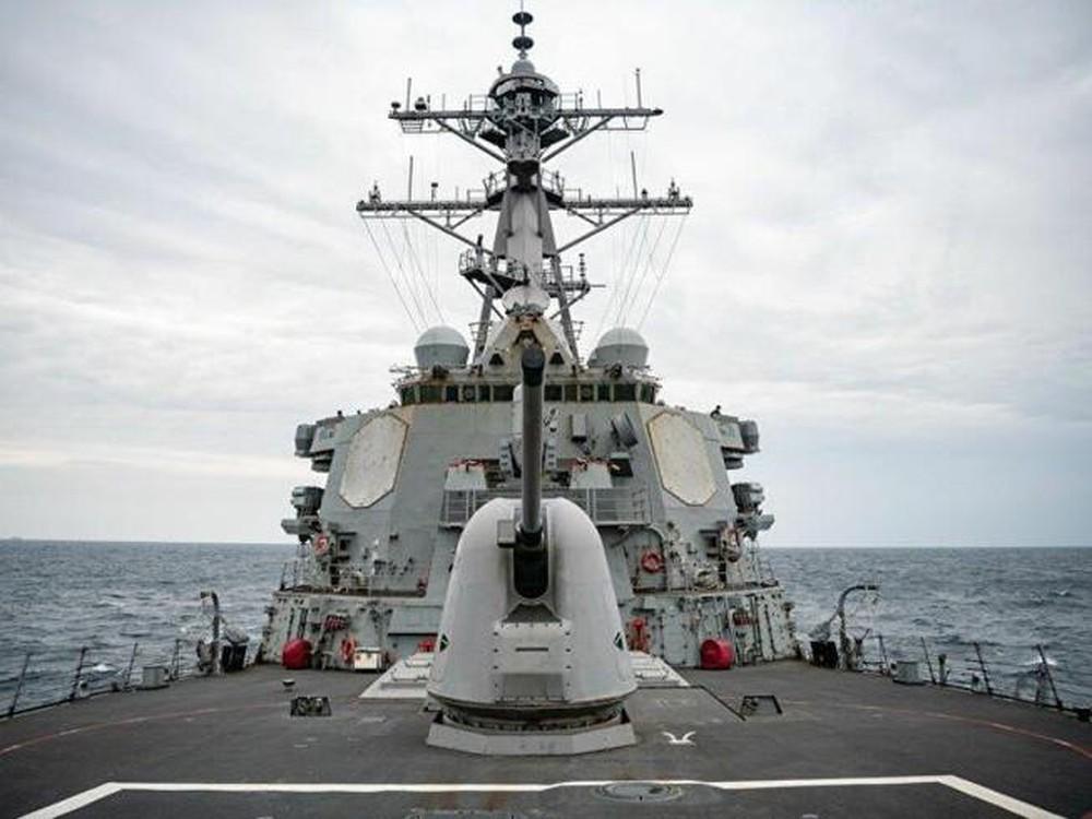 """Tàu chiến Mỹ lại """"đụng độ"""" lực lượng Trung Quốc gần Hoàng Sa - 2"""