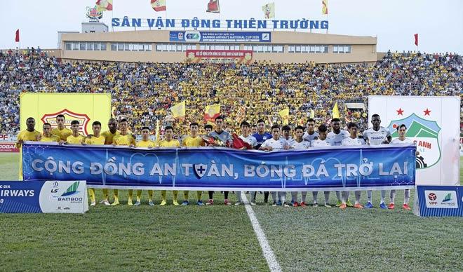 Giống như Việt Nam, bóng đá Anh xuất hiện trận cầu khác lạ nhất châu Âu - 2