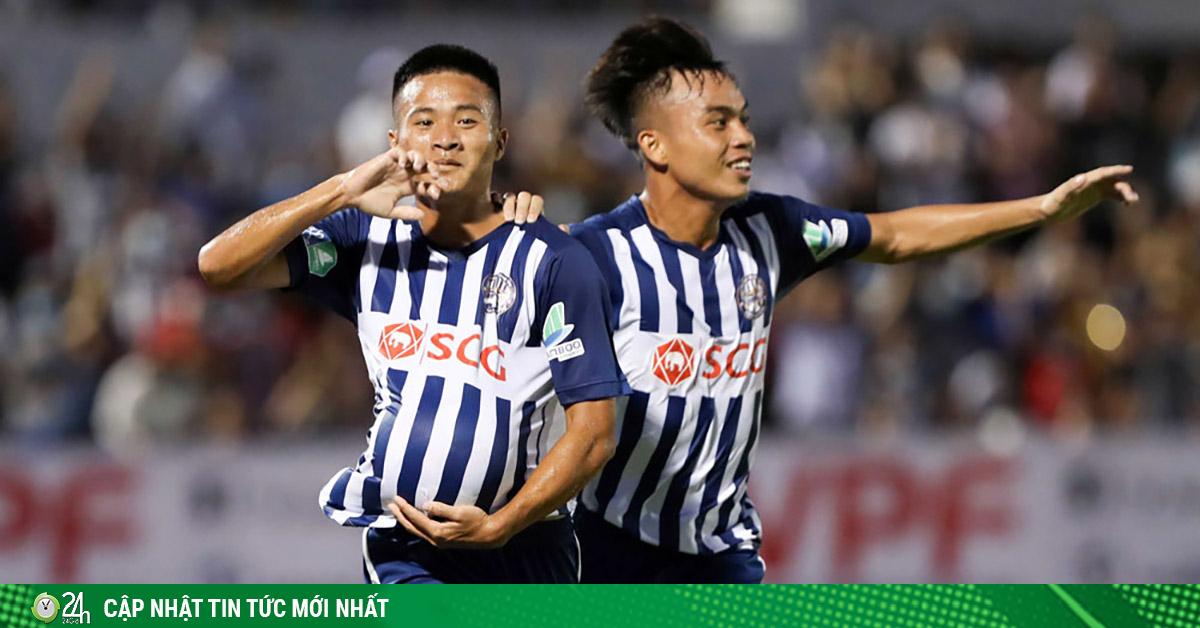 Đội bóng tí hon nào đã gây sốc làng bóng đá Việt Nam?