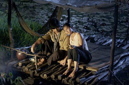 """Sao """"Cánh đồng bất tận"""" ở ẩn 5 năm, sinh liền 3 con cho chồng Việt kiều là ai? - 2"""