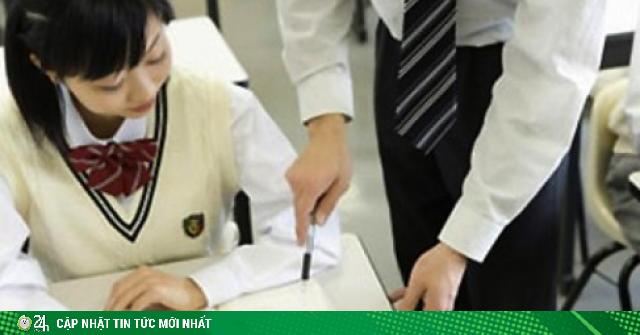 Ông bố phẫn nộ vì con gái bị yêu cầu đến khách sạn làm bài thi hoặc nhận điểm 0