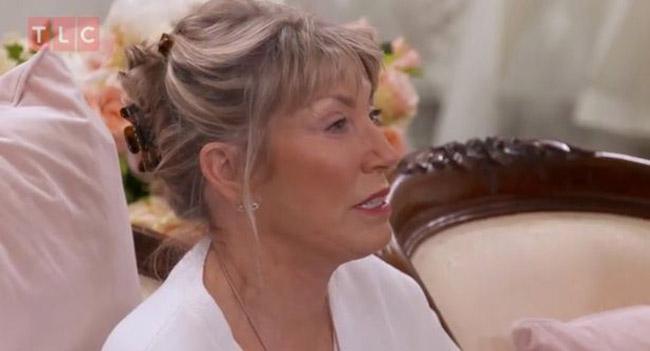 Chi 73 triệu mua váy cưới xuyên thấu, cô dâu khiến mẹ chồng hốt hoảng - hình ảnh 3