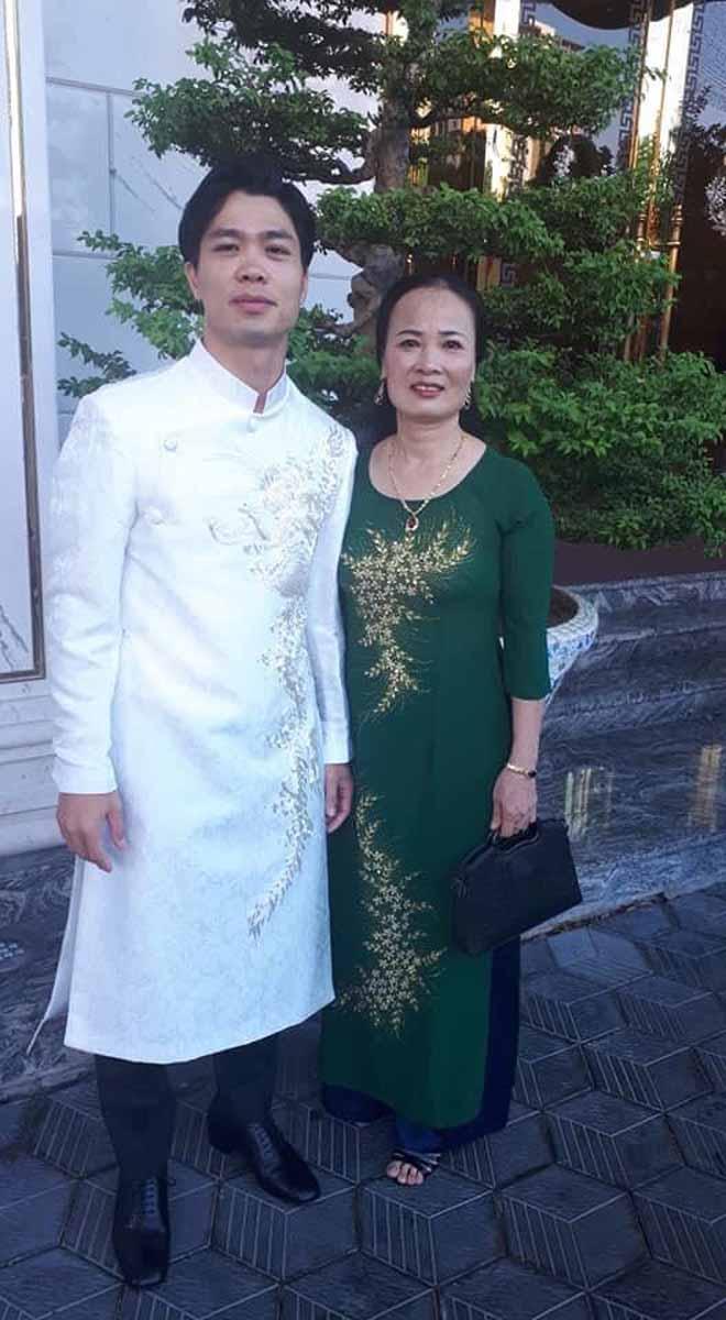 Hình ảnh độc Công Phượng mặc áo dài ở lễ đính hôn với Viên Minh - 3