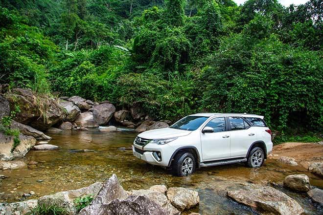 Toyota tung ưu đãi mới cho dòng xe Fortuner trong tháng 6/2020 - 1