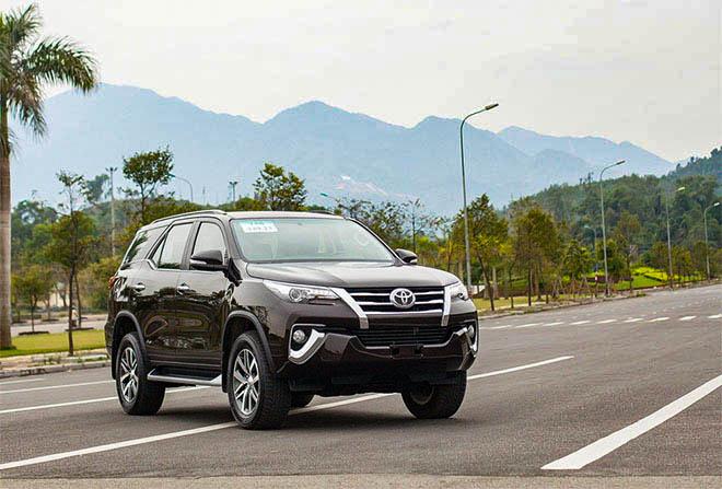 Toyota tung ưu đãi mới cho dòng xe Fortuner trong tháng 6/2020 - 2