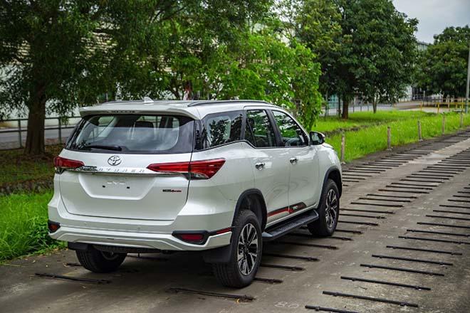 Toyota tung ưu đãi mới cho dòng xe Fortuner trong tháng 6/2020 - 4