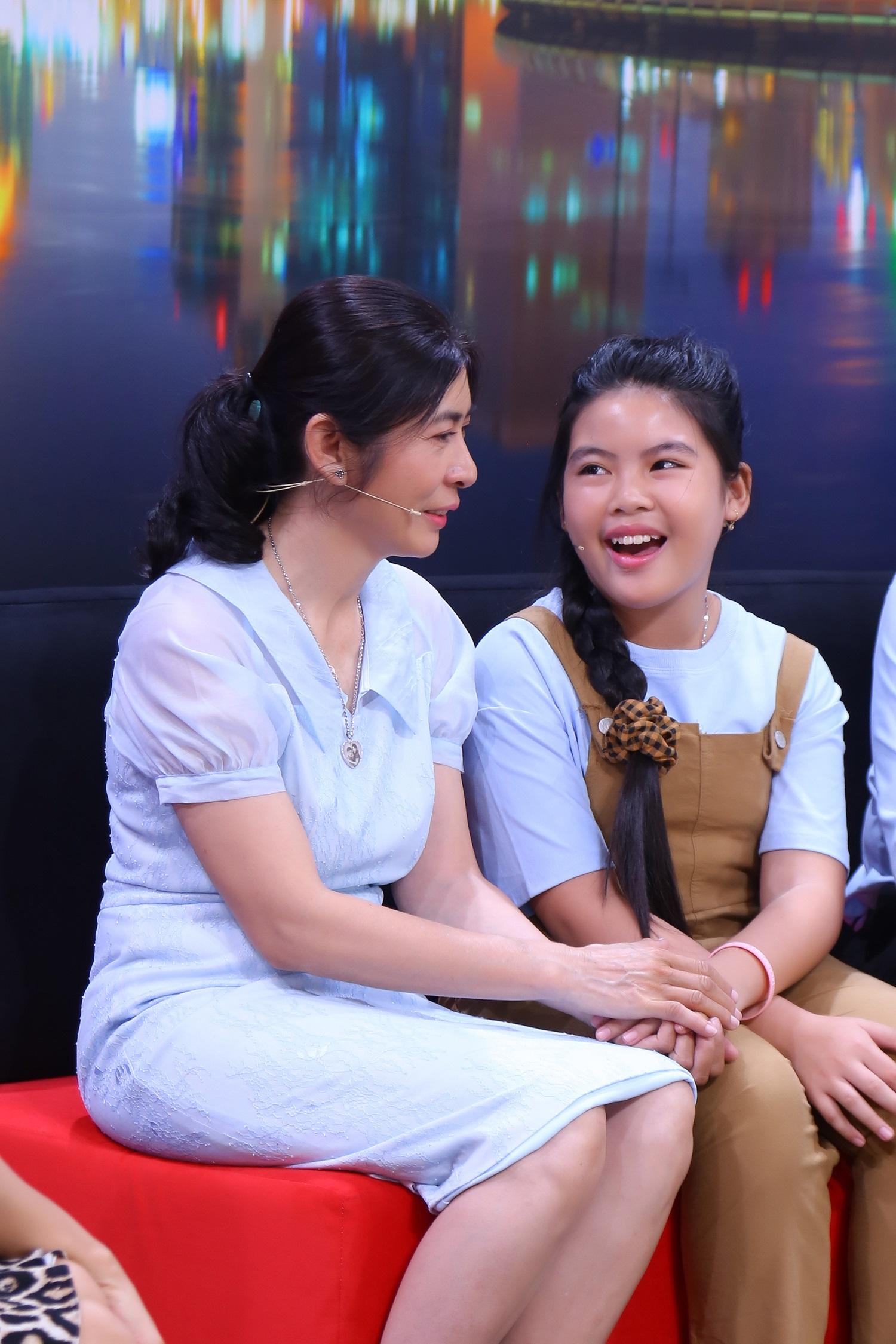 Ốc Thanh Vân bất ngờ vì phản ứng của cô bé 8 tuổi khi ba đột ngột qua đời - 1