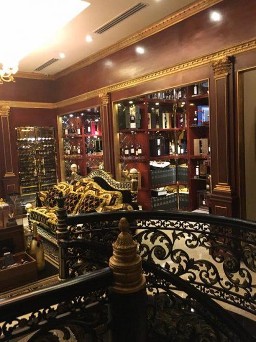 Dát vàng từ cánh cổng, biệt thự nhà chồng Hà Tăng hoành tráng như thế nào? - 8