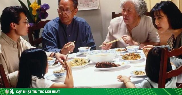 Ly hôn vì bữa ăn tốn 7 triệu đãi họ hàng