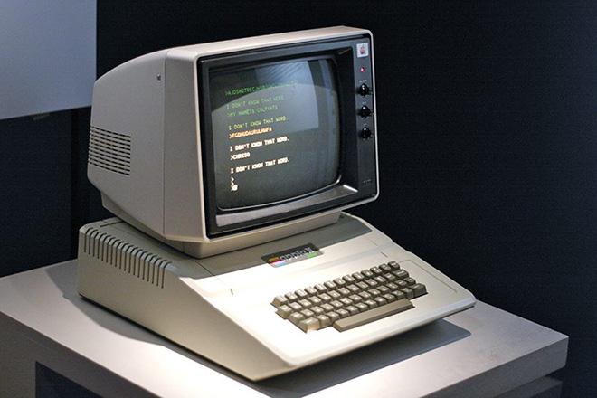 Không phải iPhone X, đây mới là những thiết bị quan trọng nhất trong lịch sử Apple - 1