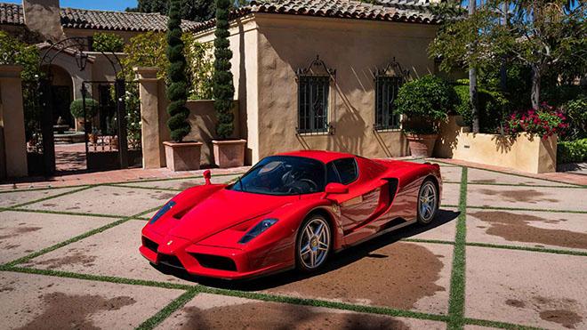 Siêu xe 17 năm tuổi Ferrari Enzo được bán đấu giá trực tuyến hơn 2,6 triệu đô - 1
