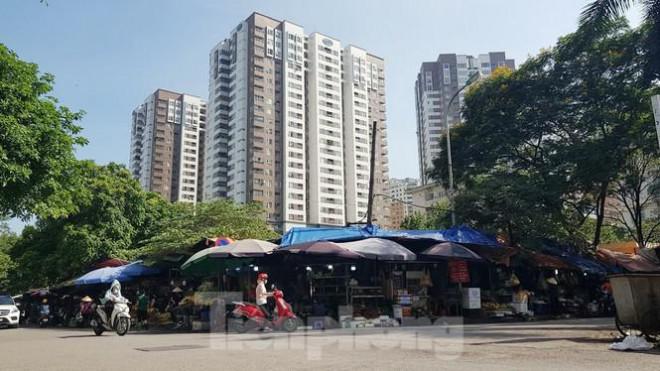Cận cảnh ô 'đất vàng' dịch vụ cuối cùng đô thị mẫu Hà Nội bỏ hoang 20 năm - 6