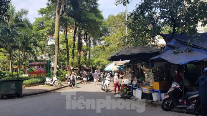 Cận cảnh ô 'đất vàng' dịch vụ cuối cùng đô thị mẫu Hà Nội bỏ hoang 20 năm - 7