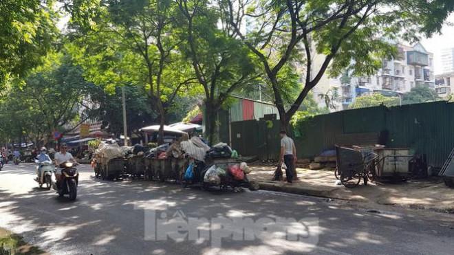 Cận cảnh ô 'đất vàng' dịch vụ cuối cùng đô thị mẫu Hà Nội bỏ hoang 20 năm - 9