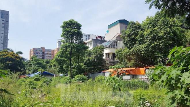 Cận cảnh ô 'đất vàng' dịch vụ cuối cùng đô thị mẫu Hà Nội bỏ hoang 20 năm - 11