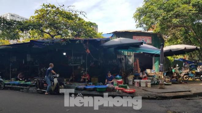Cận cảnh ô 'đất vàng' dịch vụ cuối cùng đô thị mẫu Hà Nội bỏ hoang 20 năm - 13