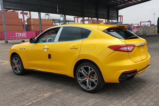 Bóc giá siêu xe Maserati Levante Trofeo vừa cập cảng được đồn đoán về tay đại gia Minh Nhựa - 3