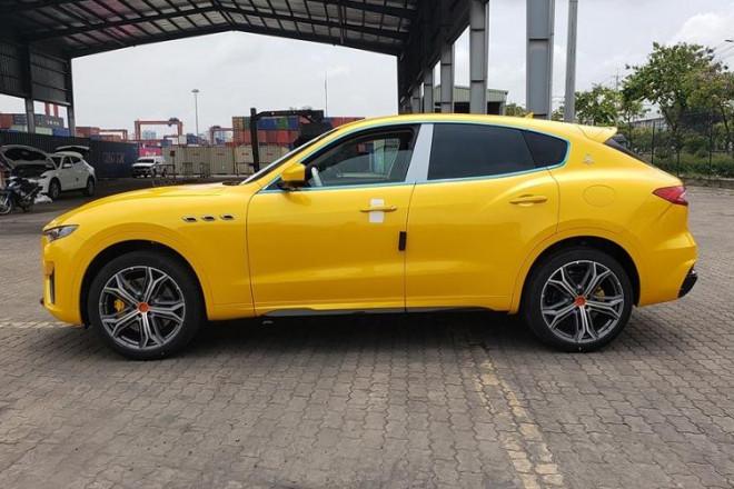 Bóc giá siêu xe Maserati Levante Trofeo vừa cập cảng được đồn đoán về tay đại gia Minh Nhựa - 5