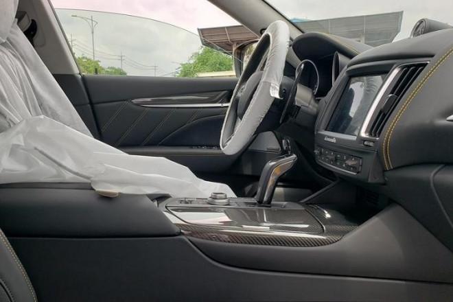 Bóc giá siêu xe Maserati Levante Trofeo vừa cập cảng được đồn đoán về tay đại gia Minh Nhựa - 7