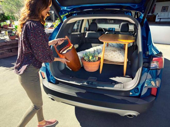 Ford Escape gây bất ngờ với mức tiêu thụ nhiên liệu chỉ 2,35L xăng/100km - 4