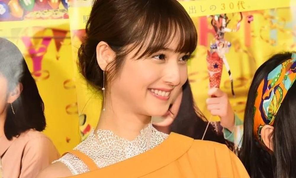 """Đẹp nhất Nhật Bản nhưng mỹ nhân này vẫn bị chồng """"cắm sừng"""" tới 6 lần - 3"""