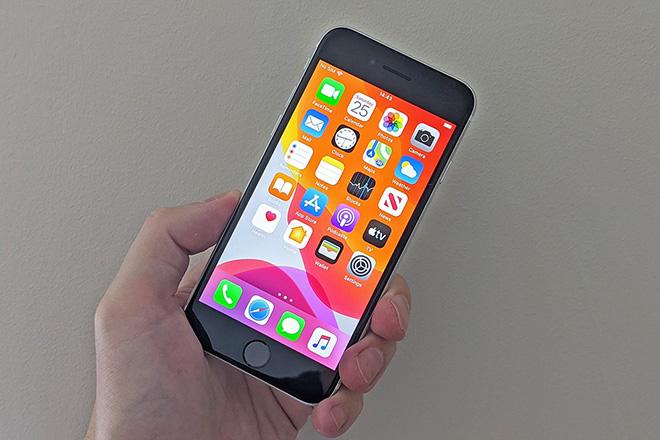 Choáng với sự thay đổi của màn hình iPhone trong thập kỷ qua - 3