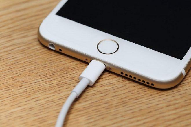 Năm thói quen sạc pin đang làm iPhone hỏng nhanh hơn - 2