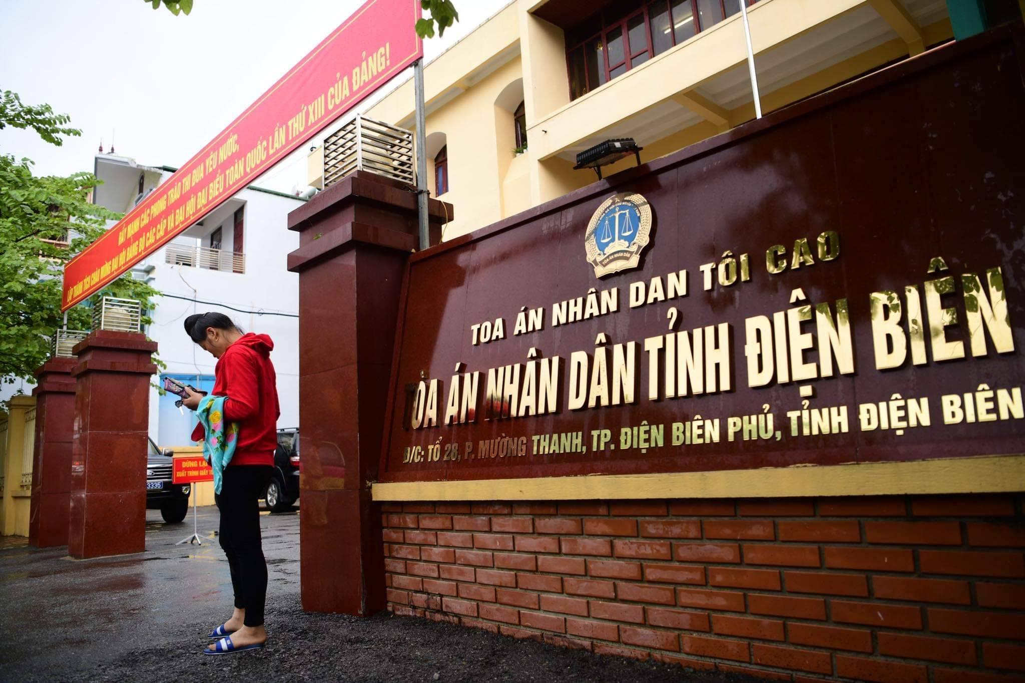 Xử phúc thẩm mẹ nữ sinh nữ sinh giao gà: Vì Thị Thu bất ngờ xin đổi luật sư - 3
