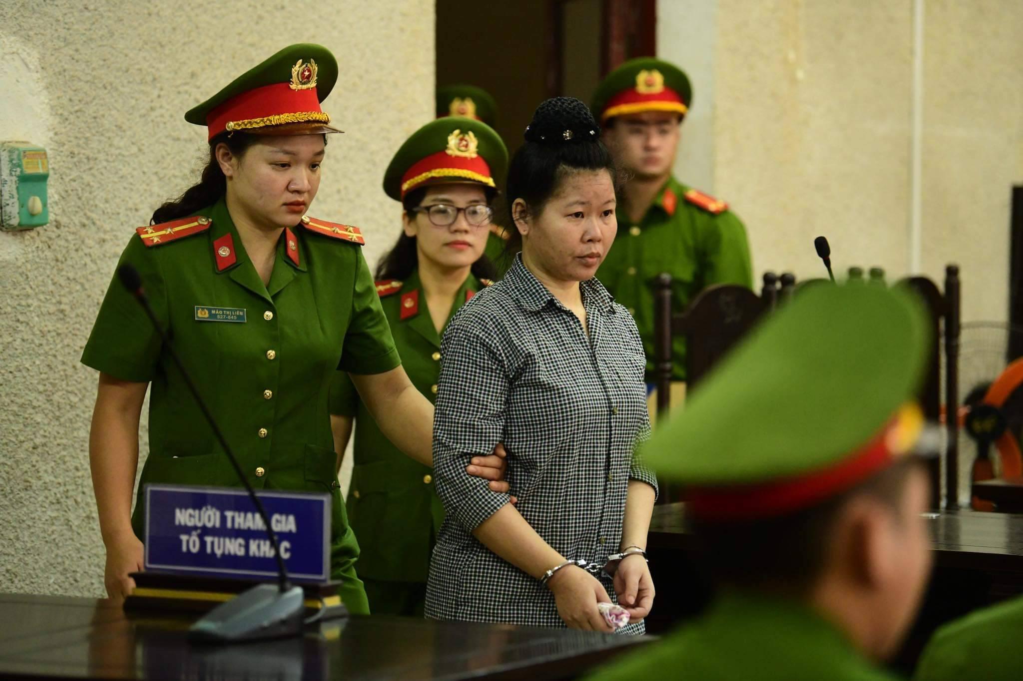 Xử phúc thẩm mẹ nữ sinh nữ sinh giao gà: Vì Thị Thu bất ngờ xin đổi luật sư - 14