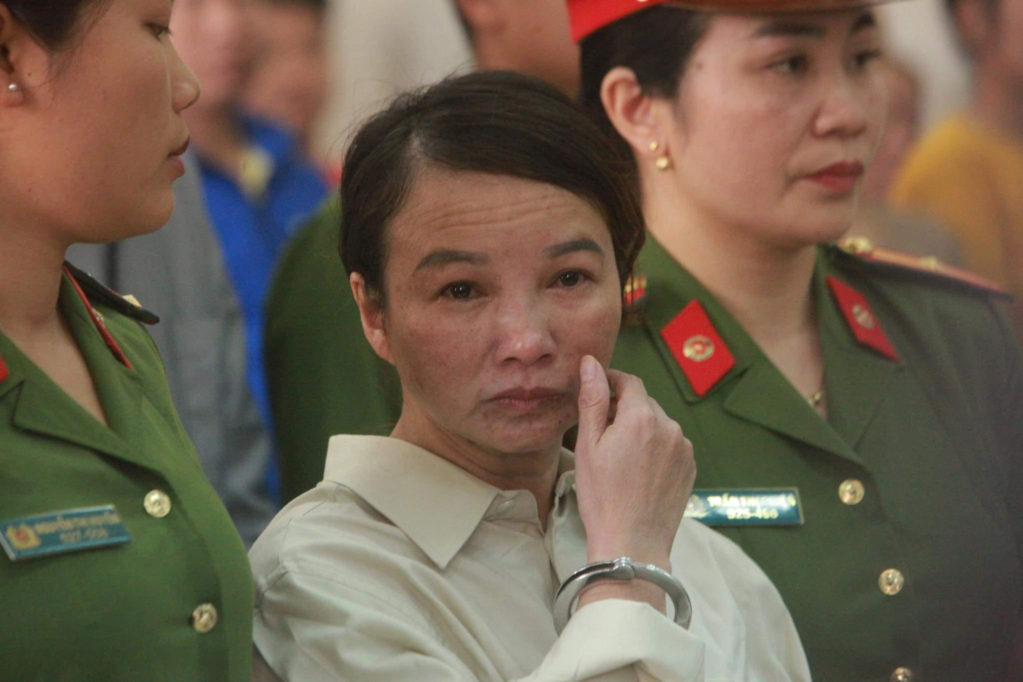 Xử phúc thẩm mẹ nữ sinh nữ sinh giao gà: Vì Thị Thu bất ngờ xin đổi luật sư - 1