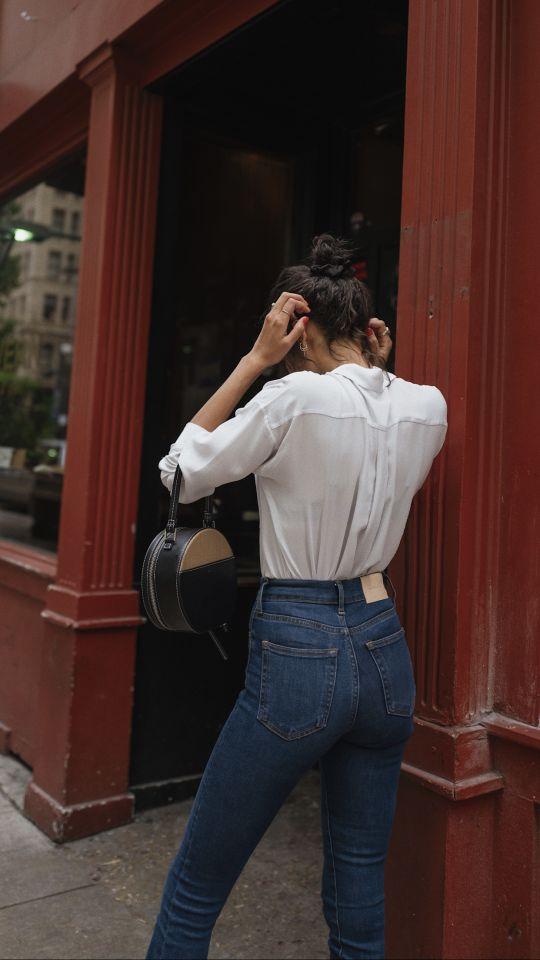 Mặc sơ mi trắng sao cho đẹp: Cổ điển hay hiện đại đều xinh miễn bàn - 7
