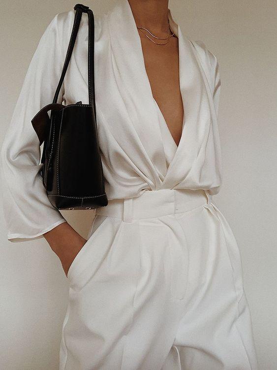 Mặc sơ mi trắng sao cho đẹp: Cổ điển hay hiện đại đều xinh miễn bàn - 2