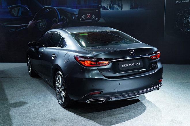 Mazda 6 phiên bản nâng cấp chính thức ra mắt thị trường Việt - 7