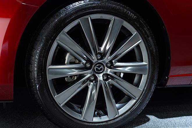 Mazda 6 phiên bản nâng cấp chính thức ra mắt thị trường Việt - 11