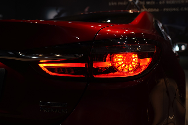 Mazda 6 phiên bản nâng cấp chính thức ra mắt thị trường Việt - 9