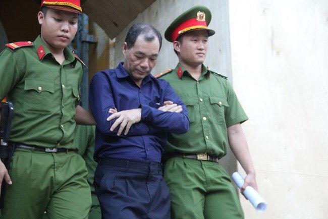 """Đại gia Việt từ ông chủ nhà băng chi tiền tỷ xây chùa đình đám đến tội đồ bị """"xộ khám"""" - 2"""