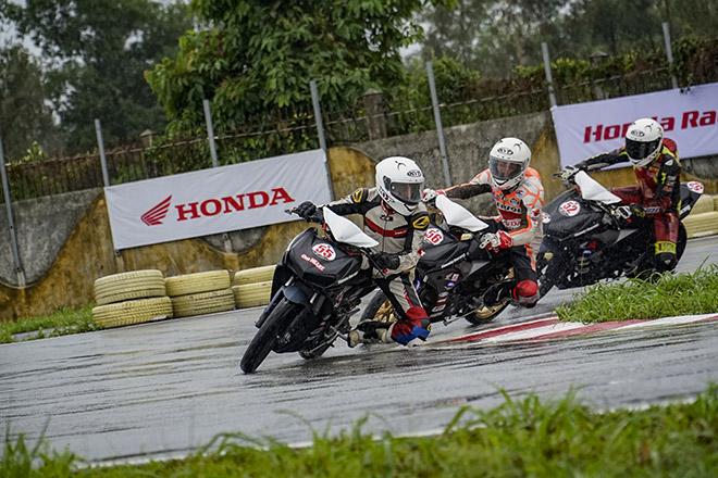 Giải đua xe mô tô Việt Nam năm 2020 chính thức khởi tranh chặng đầu tiên - 10
