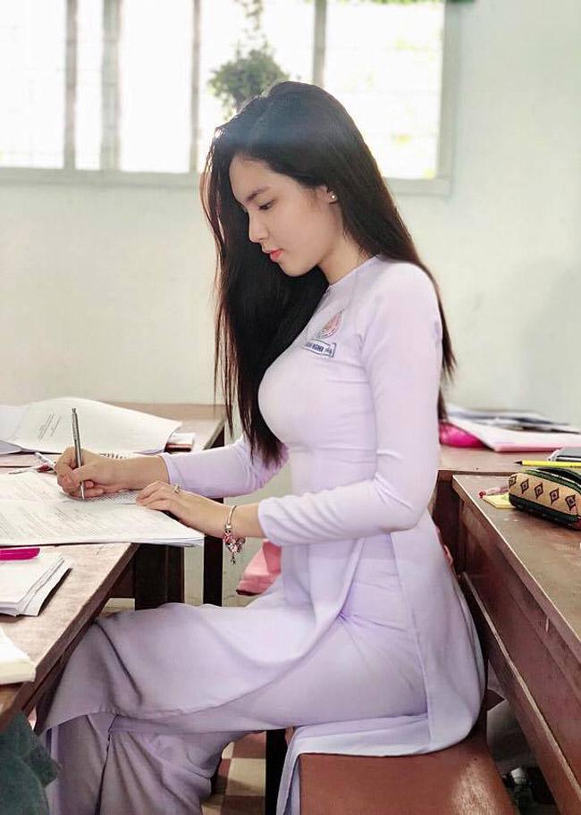 """Trang phục chào hè đời thường của dàn """"nữ thần học đường"""" Việt khác xa khi lên lớp - 1"""