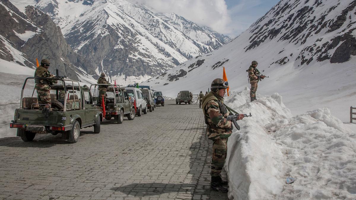 """Chỉ đạo """"rắn"""" của Bộ trưởng Quốc phòng Ấn Độ cho quân đội nhằm đáp trả lực lượng TQ - 2"""