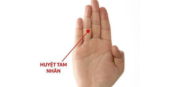 Sức khoẻ tốt lên nhanh bất ngờ khi ấn vào điểm đơn giản này trên bàn tay mỗi ngày - 1