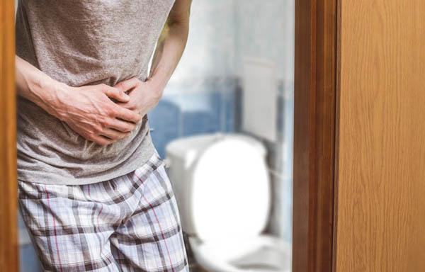 """Đi vệ sinh có 3 dấu hiệu này, coi chừng ung thư ruột """"gõ cửa"""" - 3"""