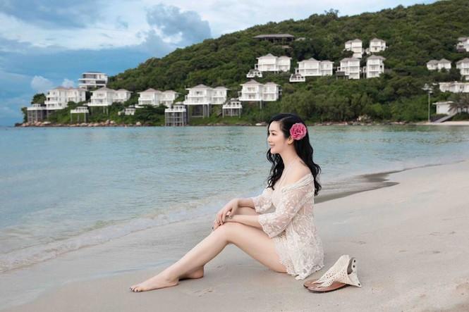 Hoa hậu Đền Hùng mặc bikini thủng lỗ khoe vẻ đẹp tựa tiên sa ở tuổi gần 50 - 5