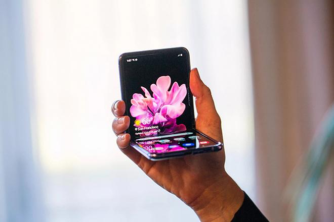 Lý do nào khiến iPhone luôn có giá trị cao hơn điện thoại Galaxy cao cấp của Samsung? - 12