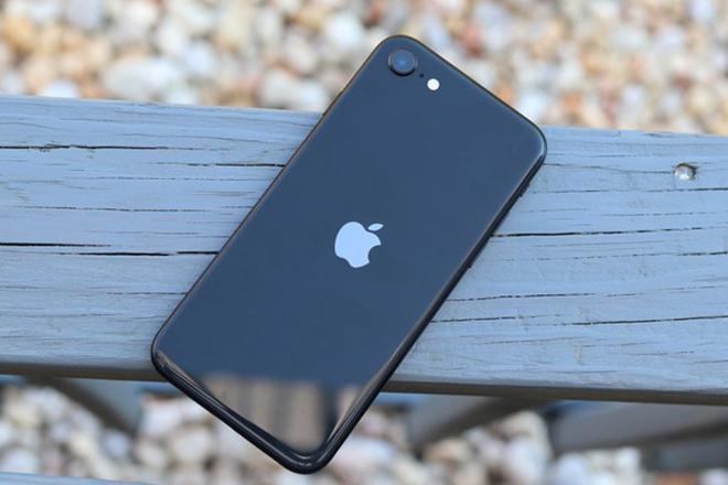 Có nên mua chiếc iPhone đáng đồng tiền bát gạo nhất này? - 3